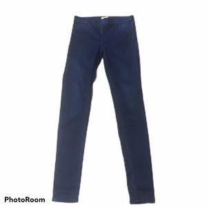 H&M skinny jeggings dark wash. Size 6. EUC